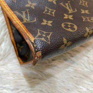 Louis Vuitton Bags - Authentic LOUIS VUITTON Small Zipper Shoulder Bag
